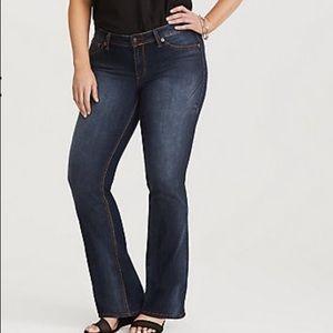 🆕 TORRID Denim Roxanne Bombay Bootcut Jeans 22
